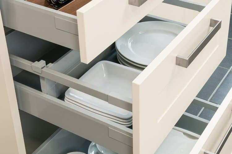 ANTARO pull-out system